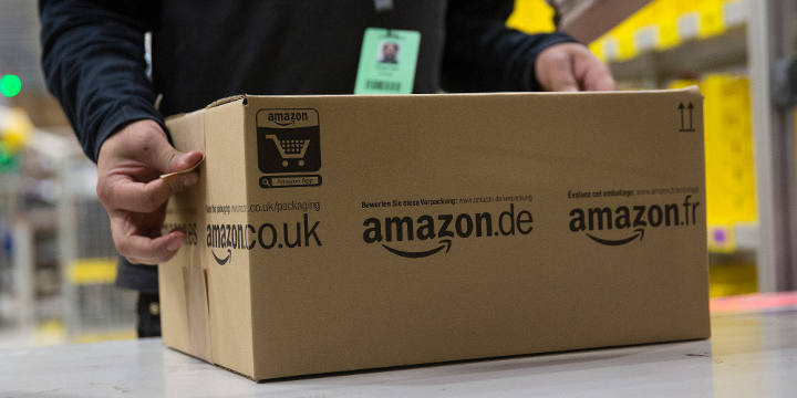 Amazon logó a dobozon